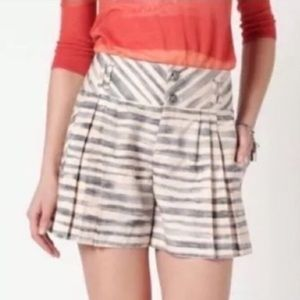 Anthropologie Cartonnier Cream and gray shorts
